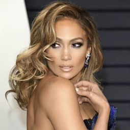 Jennifer Lopez's Full Volume Hairstyle