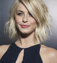 Julianne Hough's Shaggy Bob